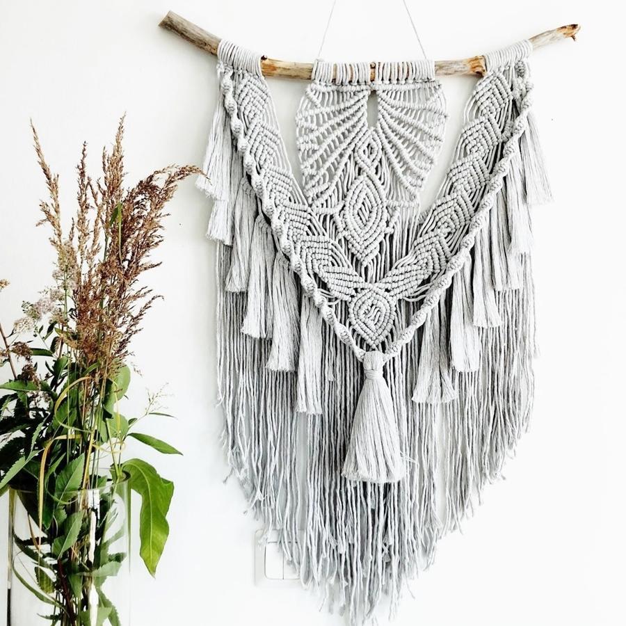 Wandbehang in der Makramee-Technik