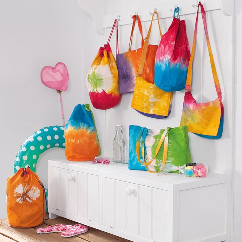 Taschen bunt eingefärbt mit Easy Color