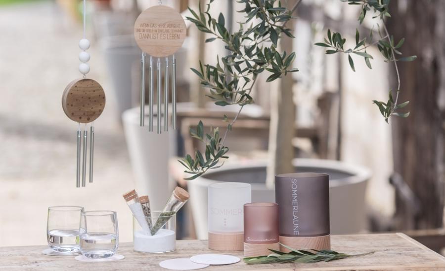 Vasen und Windspiele von Räder Design