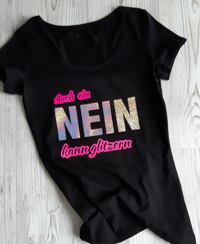 Schwarzes T-Shirt mit Glitzerfolie